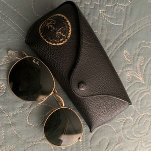 Gold round ray-bans